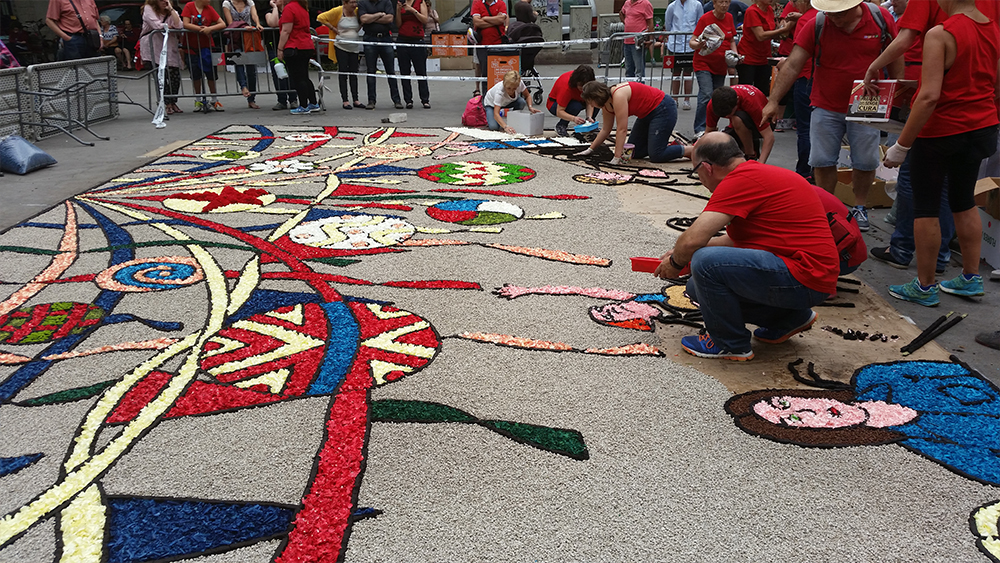 Nomination of the ephemeral art of flower carpets and other natural elements on the Representative List of the Intangible Cultural Heritage of Humanity